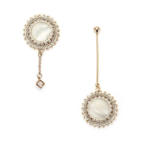 [밀튼아티카]Queen of the palace antique white mix Earrings
